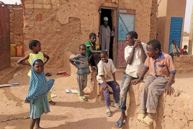 A konfliktus sújtotta országokban a gyerekek harmada nem tud iskolába járni