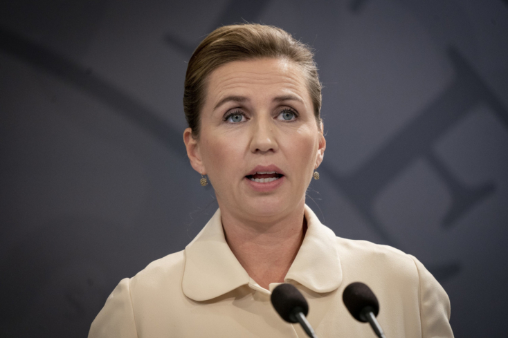 Újra el kell halasztania esküvőjét a dán kormányfőnek