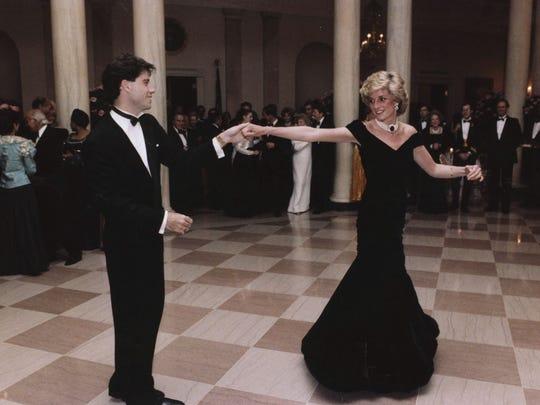 Nem kelt el Diana hercegnő kék bársonyruhájára, amelyben John Travoltával táncolt
