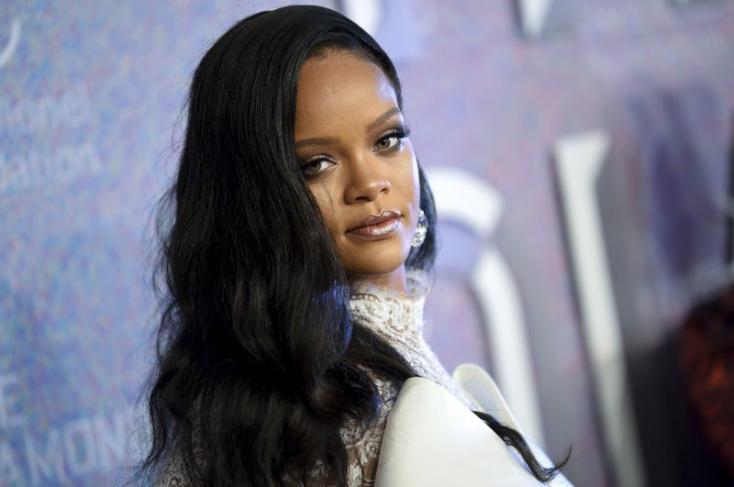 Rihanna már készül a Valentin-napra - szexi fehérneműket reklámoz (FOTÓK)