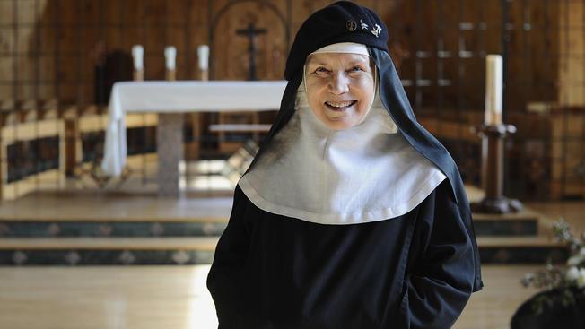 A fátyolviselés miatt nem fogadott be egy apácát egy franciaországi idősek otthona