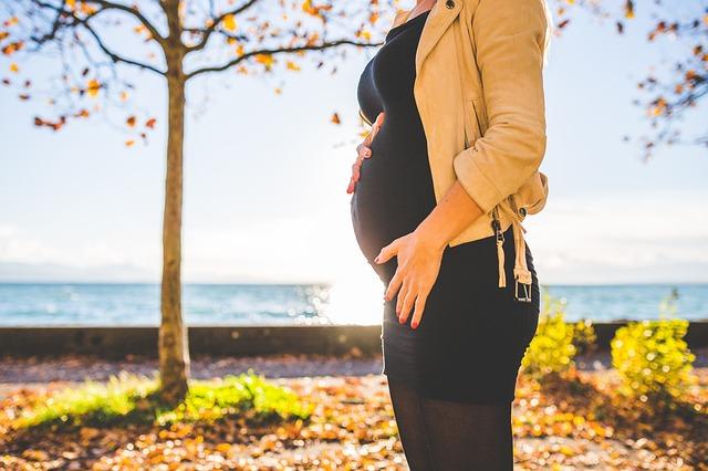 Szinte az összes nővérke babázik vagy épp gyermeket vár egy amerikai kórház újszülött osztályán (FOTÓ)