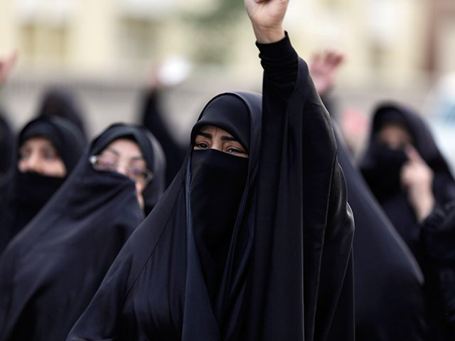 Megkönnyítették a nők szállodai szobafoglalását Szaúd-Arábiában