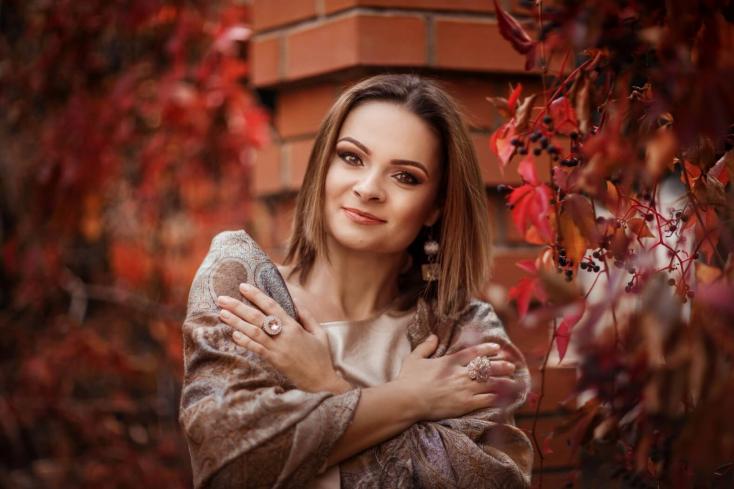 """Eleven nőcik (interjúk) – Bertók Tóth Katalin: """"A megfelelő emberek kedvelni fognak azért, aki valójában vagy"""""""