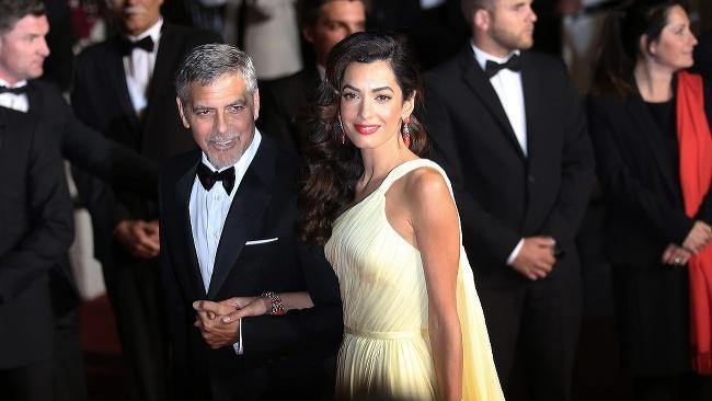 George Clooney és felesége több millió euróval támogatják a menekült gyerekeket