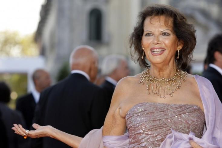 Árverésre bocsátja ruhatára egy részét a világhírű színésznő