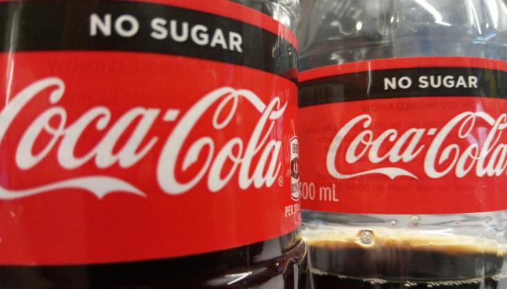 Lekerül az üzletek polcairól a Coca Cola Zero