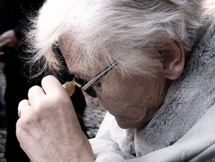 Magyar kutatók kiderítették,  miért gyakoribb az Alzheimer-kór a nőknél