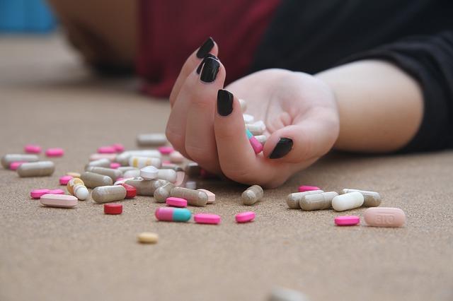 Világszerte nőtt az öngyilkosságok száma, arányuk azonban csökkent