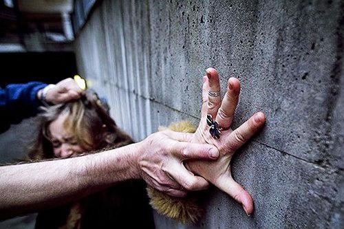 Összeomolhat a nemi erőszakolók mentsvára