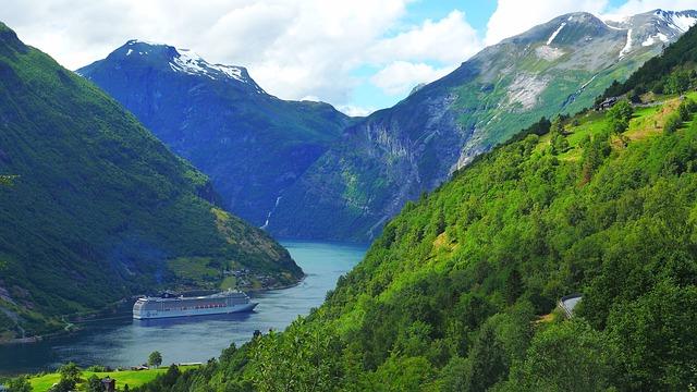 Norvégia le fogja zárni fjordjait a környezetszennyező óriási üdülőhajók előtt