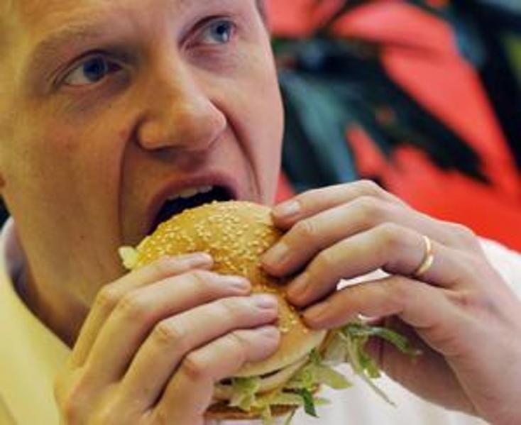 A gyorsételek károsíthatják az agy étvágyszabályozó funkcióját