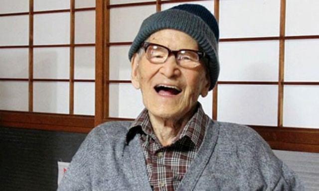 Újból rekordot döntött a százontúliak száma Japánban
