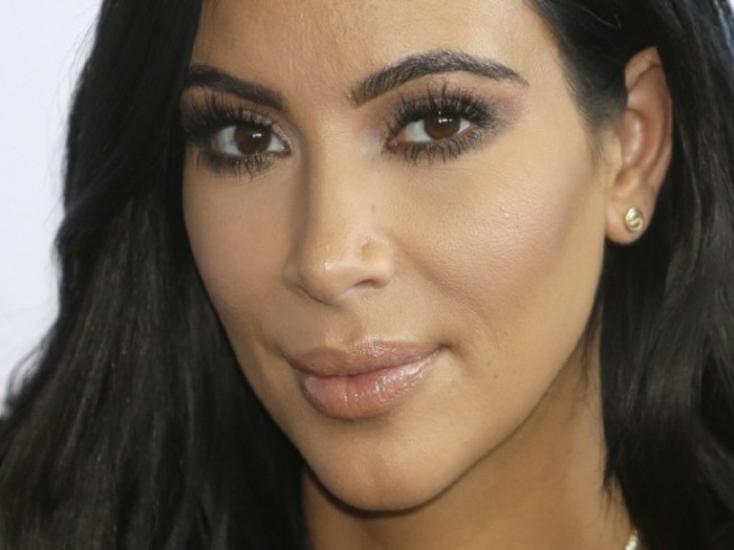 """Kim Kardashian bevállalta a """"meztelen"""" fehérneműt (FOTÓ)"""