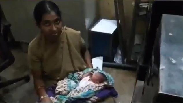 Megszoptatott egy elhagyott kisbabát a rendőrnő