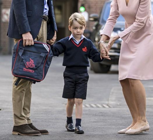 Ezt kéri a Mikulástól a kis György herceg