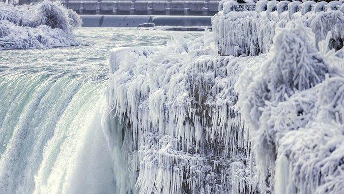 Megfagyott a Niagara-vízesés egy része (VIDEÓ)