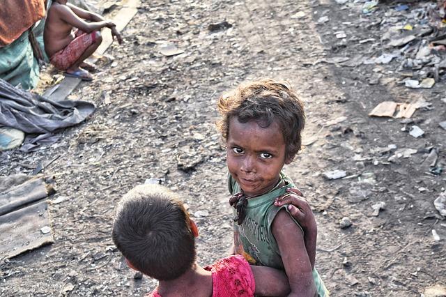 A gyerekek és fiatalok húsz százaléka él szélsőséges szegénységben