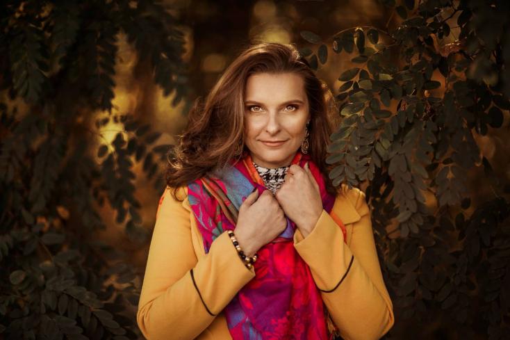 Eleven nőcik (interjúk) – Lantos Borbély Katica: A család nem lehet akadálya egy hozzád mért karriernek, és fordítva sem