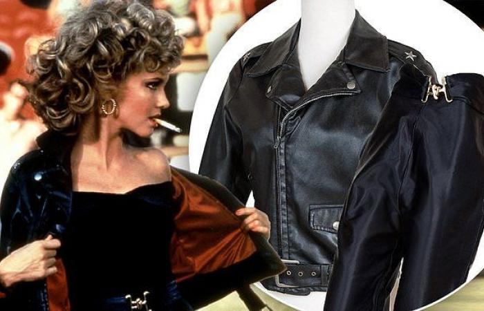 Olivia Newton-John visszakapta legendás fekete bőrkabátját