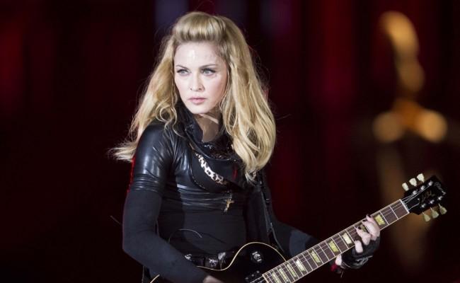 Egy igazán pikáns eszközt vet be Madonna a ránctalanításhoz (FOTÓ)