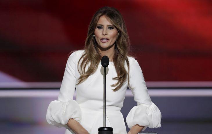 Nyáron jelenik meg Melania Trump nem hivatalos életrajza