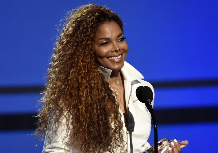 Janet Jackson 50 évesen szülte meg első gyermekét