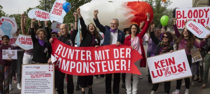 Csökkenteni akarják a női higiéniai termékek áfáját Németországban