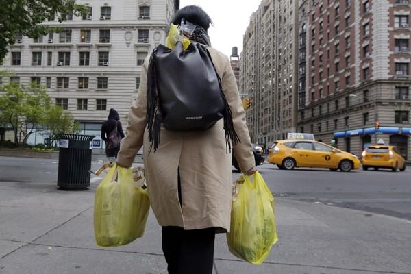 """""""Éhes vagy, és nincs pénzed? Nem gond, hozz műanyag hulladékot, és ingyen kapsz enni!"""""""