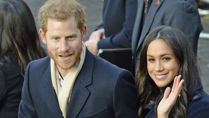 Harry hercegért és menyasszonyáért megőrültek az emberek (VIDEÓ)