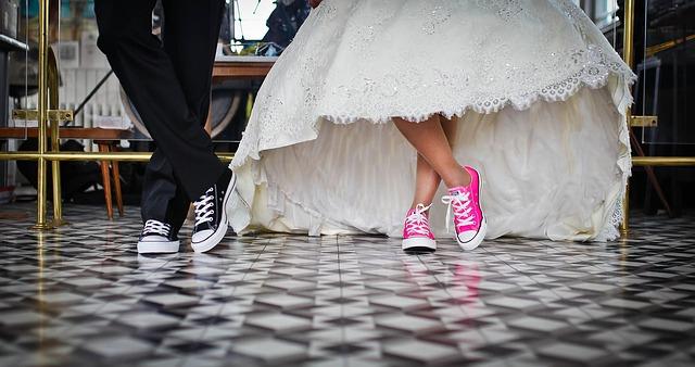 Felemelik a lányok házasságkötésének alsó korhatárát ebben az országban