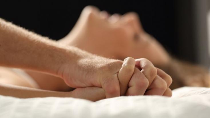 Egy egyszerű trükkel hosszabb és jobb lehet az orgazmus