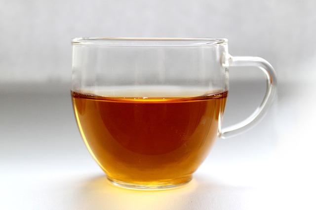 A rendszeres teafogyasztás csökkenti a csonttörés kockázatát