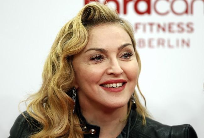 Madonna a fenekén próbálta ki, hogy hatásos-e az arcmaszkja