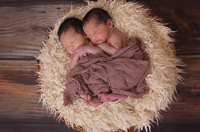 Gyereke világra jötte után 26 nappal ikreket szült egy nő