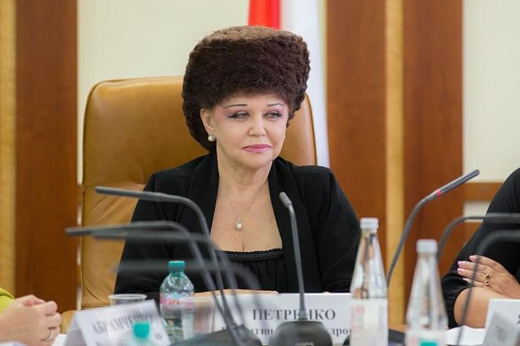 Ennek az orosz szenátornak a búrája mindent visz!
